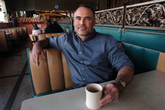 MEMPHIS, TN.,12/1/07--Author Ace Atkins poses in the Arcade Resturant in Memphis. Photo/Jay Nolan