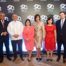 Fausto Fernández, Roberto Henríquez, Biviana Riveiro, Thelma Martínez, Faveth Martínez, Andrés.Martínez,