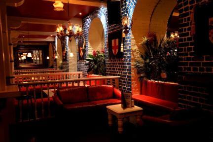 irish themed pub in melbourne cbd