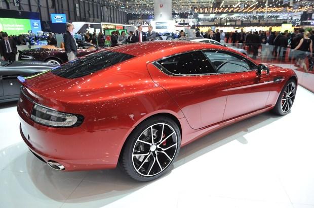 2016-Aston-Martin-Rapide-S-Sedan-social magazine