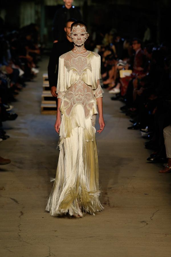 Givenchy-Models-NYFW-2015-5