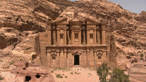 petra-jordans-lost-city-travel-social
