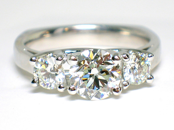 buying-a-diamond-engagement-ring
