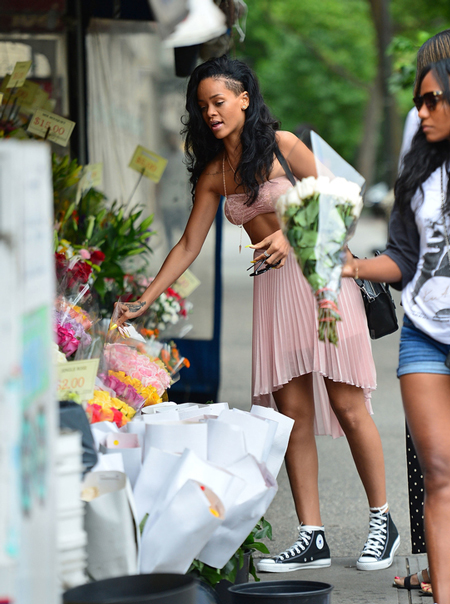 celeb-in-converse-all-star-rhianna