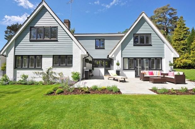 new-england-style-house-2826065_640