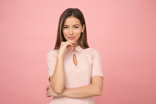 woman-wearing-pink-collared-half-sleeved-top-1036623