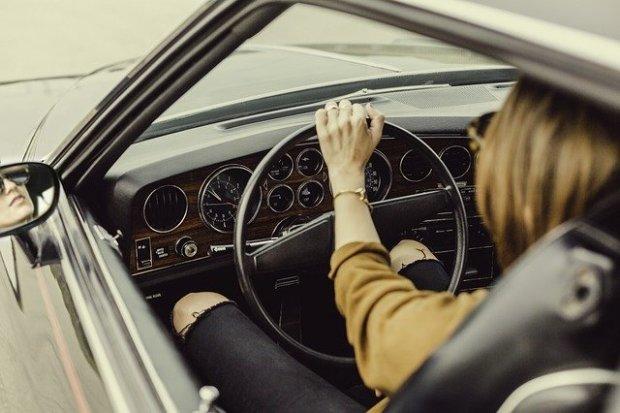 automotive-1866521_640 (1)