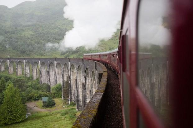train-4362166_640