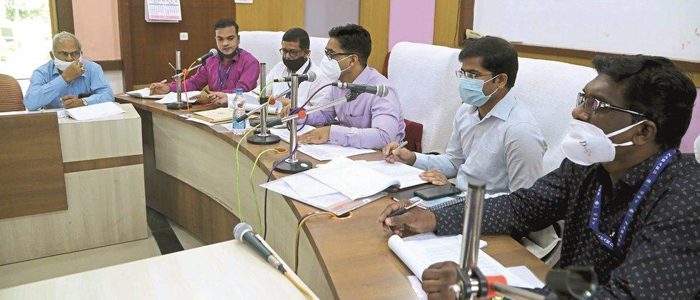 Loan distribution for rabbis should be started in Yavatmal district: Collector