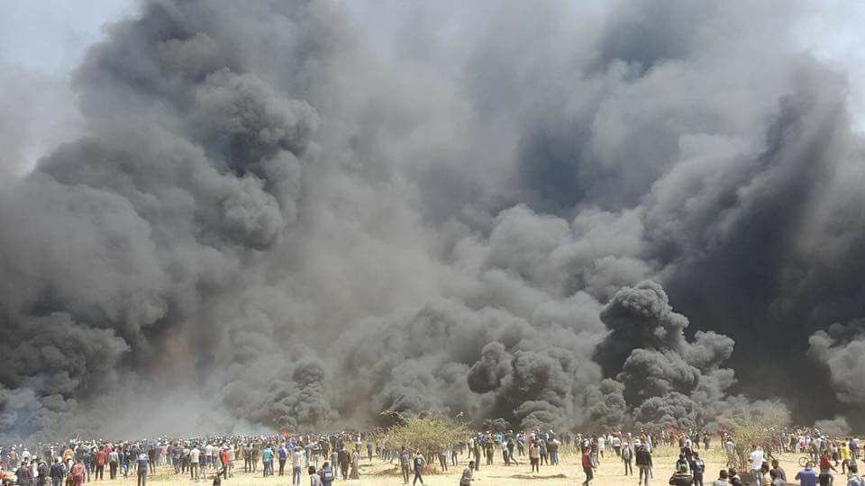 May 2018 Gaza burning tires