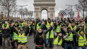 Jan. 2019 Yellow vests (Chris McGrath:Getty)