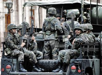 Mexican army troops on patrol in Michoacán