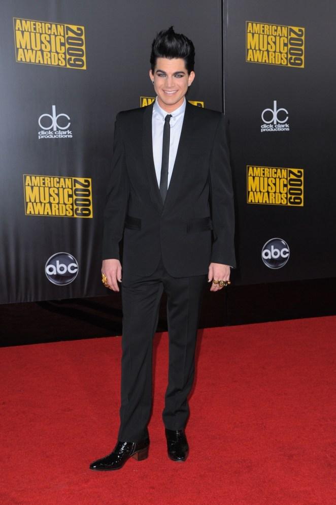 Adam Lambert 2009 American Music Awards - Arrivals