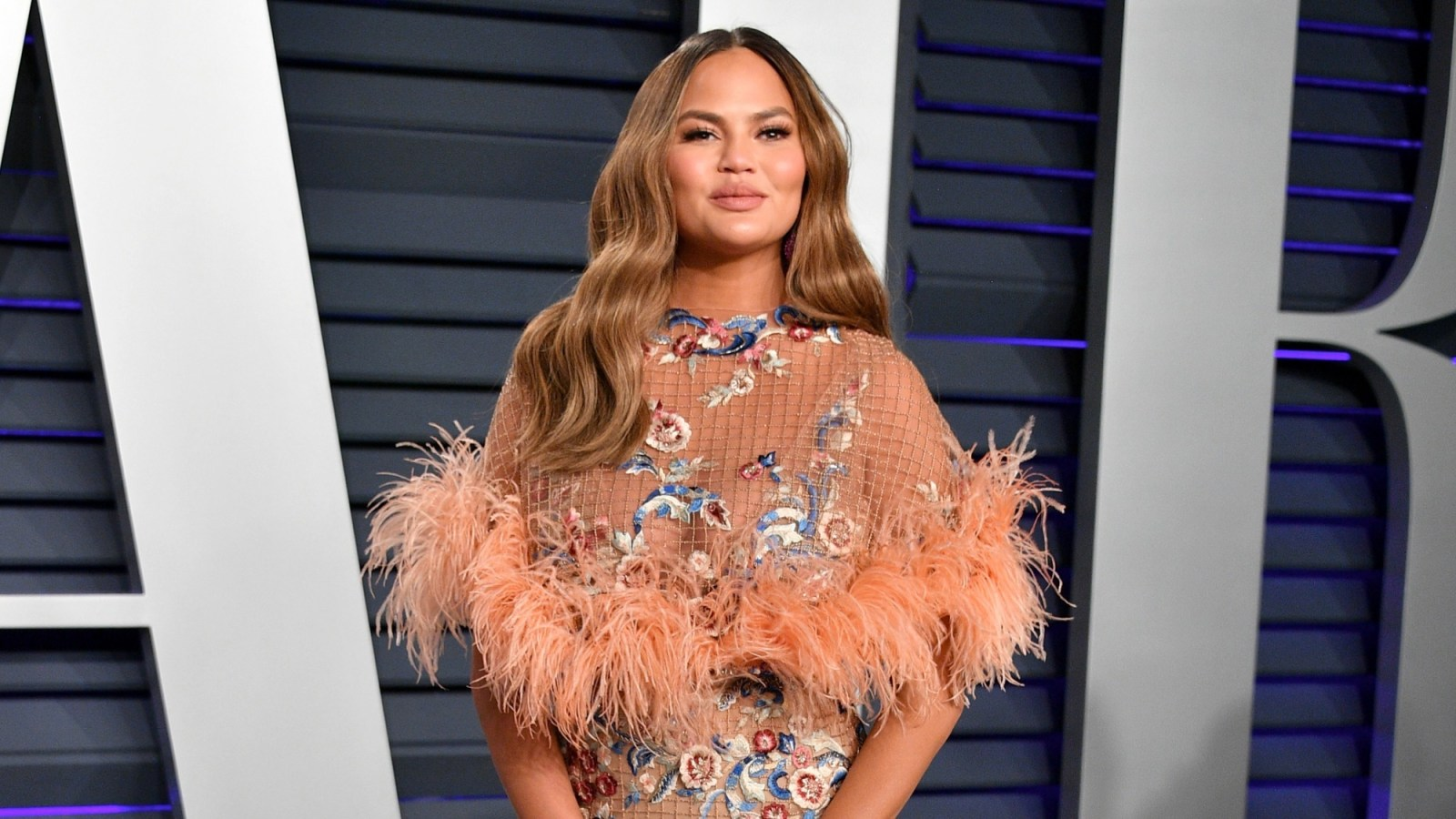Chrissy Teigen 2019 Vanity Fair Oscar Party Hosted By Radhika Jones - Arrivals