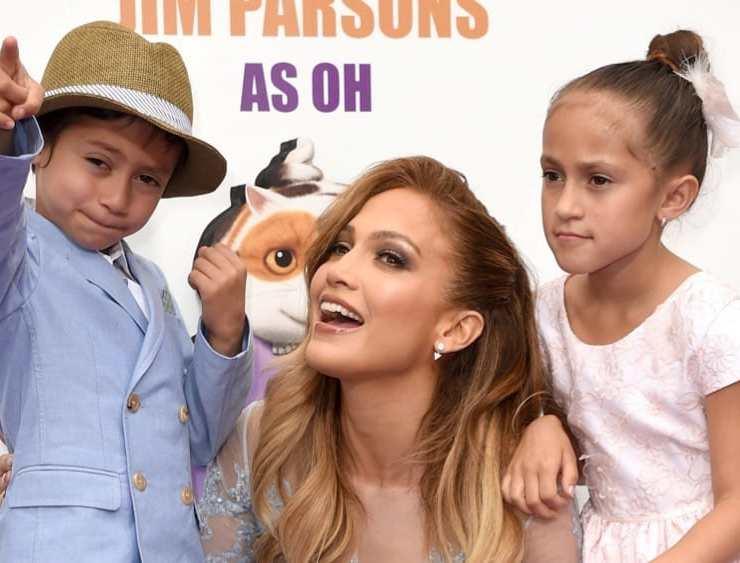 "Jennifer Lopez Premiere Of Twentieth Century Fox And Dreamworks Animation's ""HOME"" - Red Carpet"