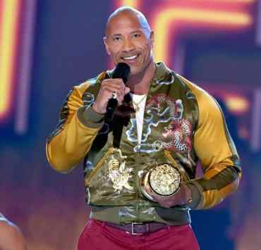 Dwayne Johnson Gives Moving Speech at 2019 MTV Movie and TV Awards — WATCH 2