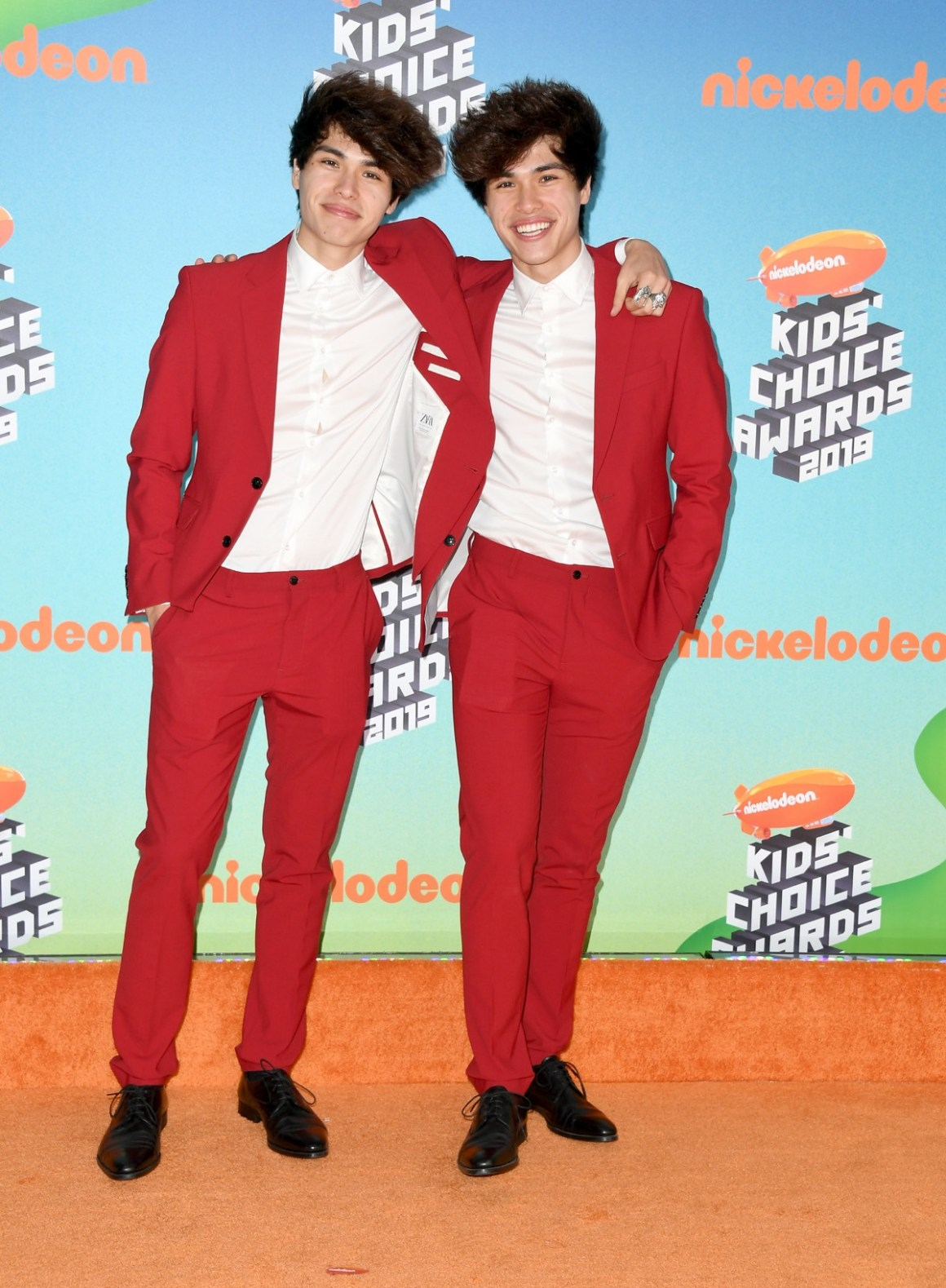 Alex Stokes and Alan Stokes Nickelodeon's 2019 Kids' Choice Awards - Arrivals
