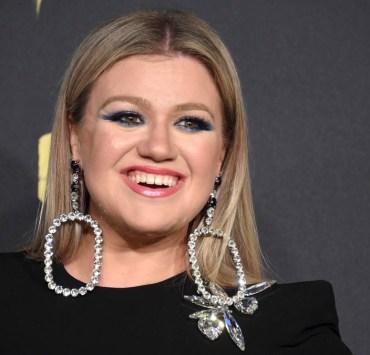 Kelly Clarkson 2018 CMT Music Awards - Arrivals