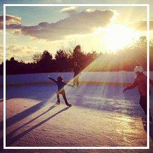 shi-ice-skating
