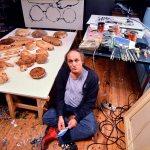 Mario Schifano in studio