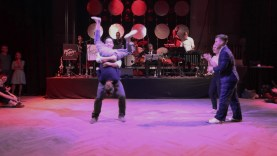 Teachers-Showcase-with-Live-Band-Peters-Peppers-Knall-auf-Ball-attachment