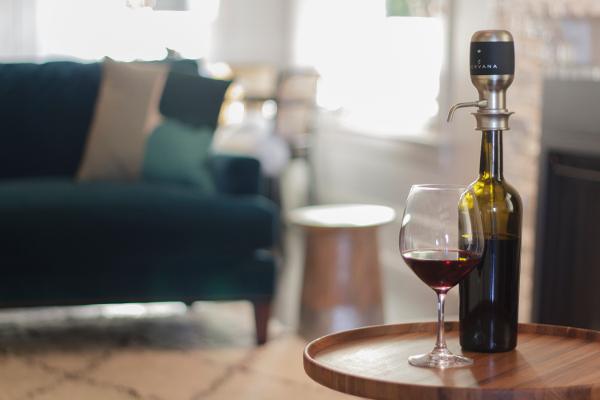 Aervana_Lifestyle_3b_wine_aerator