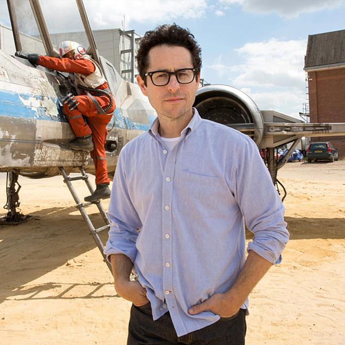 """""""Não é por acaso"""", diz JJ Abrams sobre a ausência de Luke no marketing do filme!"""