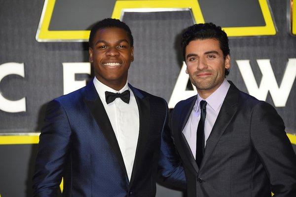 Boyega diz que Finn e Poe são apenas amigos