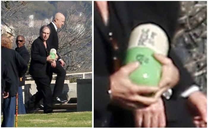Urna funerária de Carrie Fisher é simplesmente uma pílula gigante