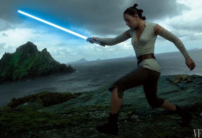 Os Últimos Jedi | Rey teria dois sabre de luz no filme? Atualizado