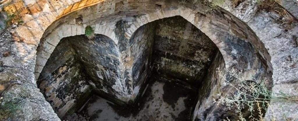 Mistérios de um antigo cofre subterrâneo na Rússia são finalmente revelados