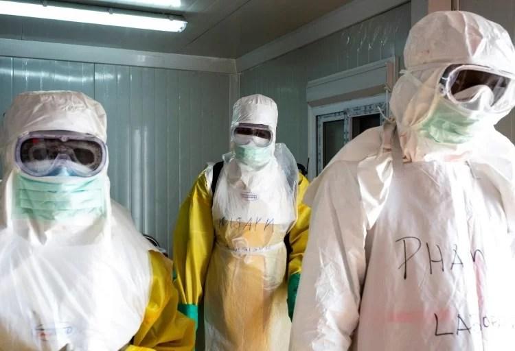 O ebola devastou a África Ocidental por volta de 2014 e 2016, foram relatados cerca de 28.600 casos e 11.325 mortes.