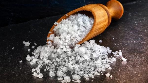 O que acontece se você comer muito sal