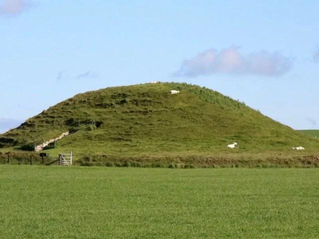 Antiga tumba escocesa era passagem para o submundo