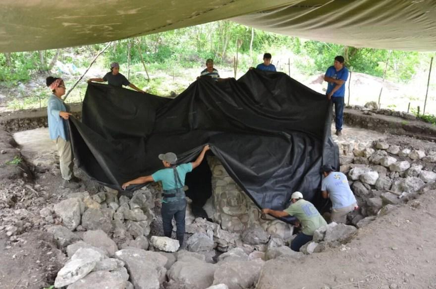 Máscara maia gigante descoberta no México