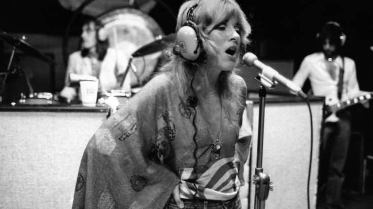 "Caught On Tape: Fleetwood Mac Hit The Studio, And Their ""Gypsy"" Demo Is Unbelievable 