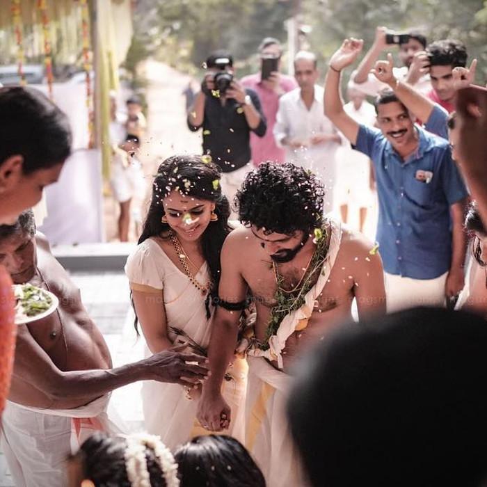 neeraj madhav and deepthi photos