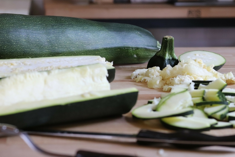 Sauteed Zucchini with Parmesan Cheese sockbox10.com