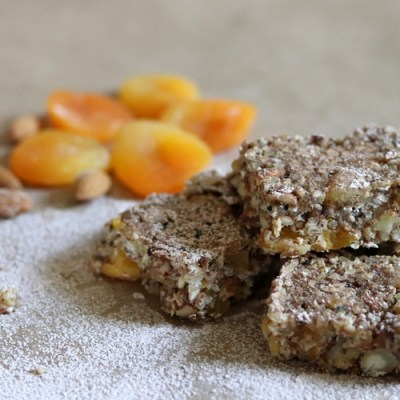 No-Bake Apricot and Almond Quinoa Bars
