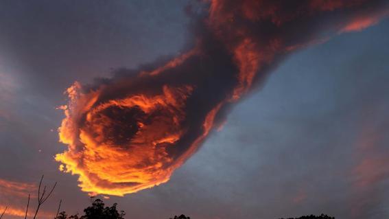 mercury_hand_of_god_cloud_01