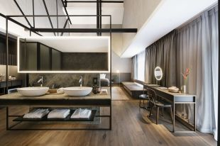 589ab948e772e-the-warehouse-hotel-river-view-suite