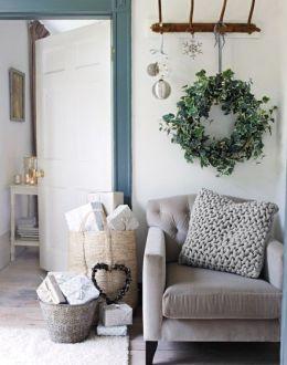 christmas festive room decor inspiration, tumblr, pinterest, artsy photo, blogmas 2015, day 3, cushions, minimalistic corner