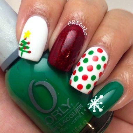 blogmas 2015, day 10, festive christmas nail art, red green white, snowflakes, christmas tree nail art, stars, inspiration, goals, artsy, tumblr, pinterest.