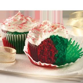 blogmas 2015, day 13, red and green appreciation post, christmas colours, cupcakes, coloured inside , festive, artsy, tumblr, pinterest