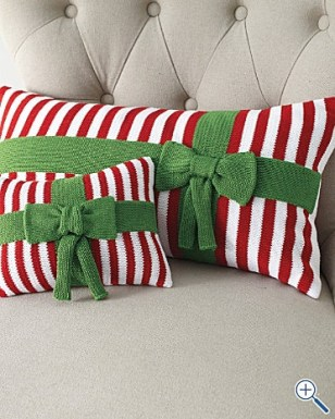 blogmas 2015, day 13, red and green appreciation post, christmas colours, stockings, festive, wreath, pillows, cussions, bows, table artsy, tumblr, pinterest