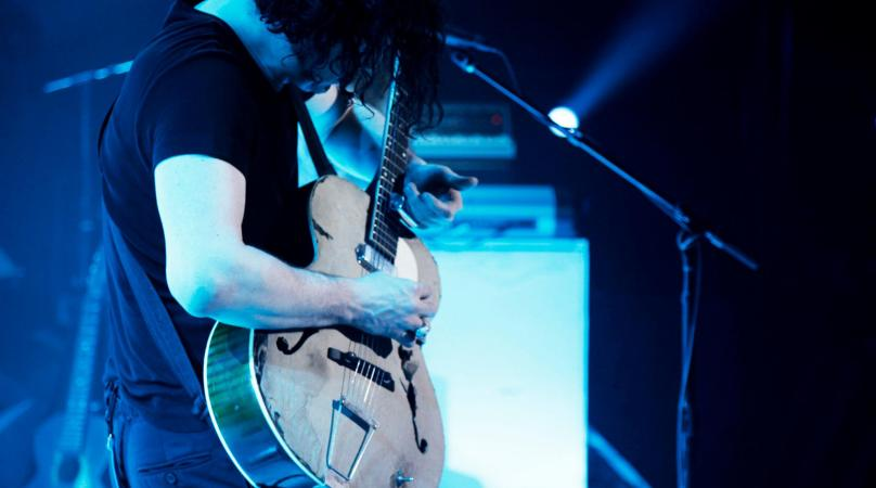 the white stripes ball and biscuit mp3 download