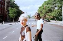 Samantha Urbani + Blood Orange - Dev hynes - Sodwee.com