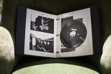 """Jay Z """"Magna Carta Holy Grail"""" box set 45 rpm numbered limited edition"""