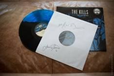 The Kills Live At Third Man Records, limited edition of 100 copies in the world, blue and black vinyl, autographed by the band.