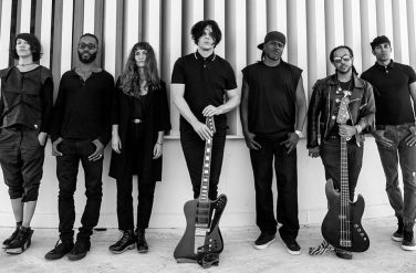 Jack White (w/guitar) and his musicians: Carla Azar (drums), Justin Poree (percusions), Brew (synth & keys), Quincy McCrary (keys), Dustin Moore (bass), Esther Rose (vocals).